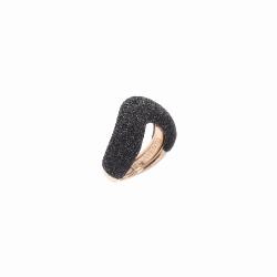 Closeup photo of Large Arrowhead Polvere Ring - Rose Gold Black Polvere