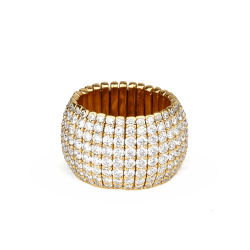 Closeup photo of 18k Rose Gold Diamond Ring